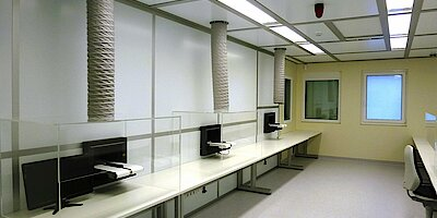 Cleanroom for deblistering, GMP D