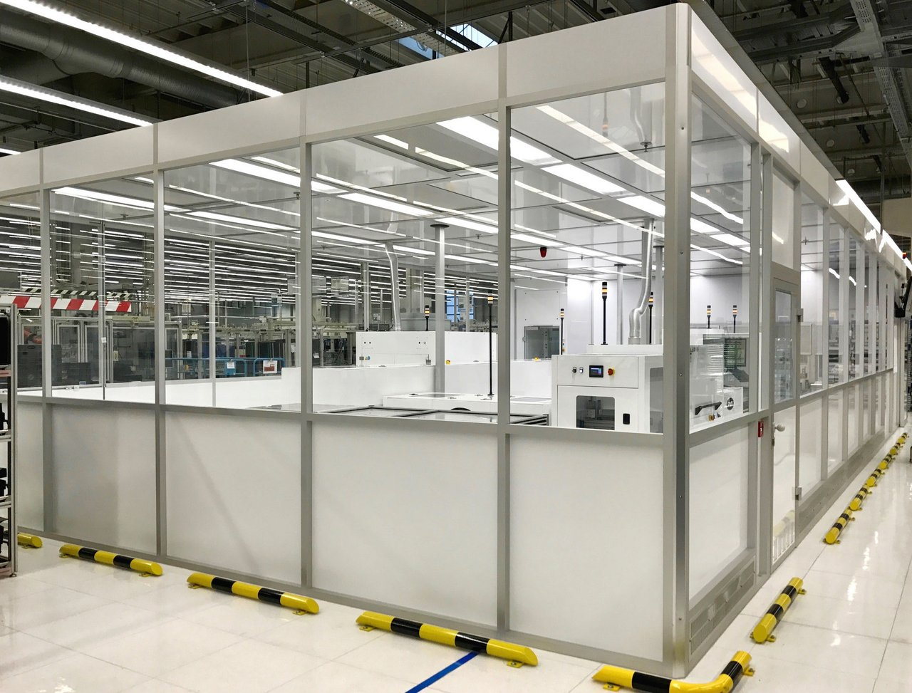 Cleanroom for manufacturing components in the automotive industry, ISO 6