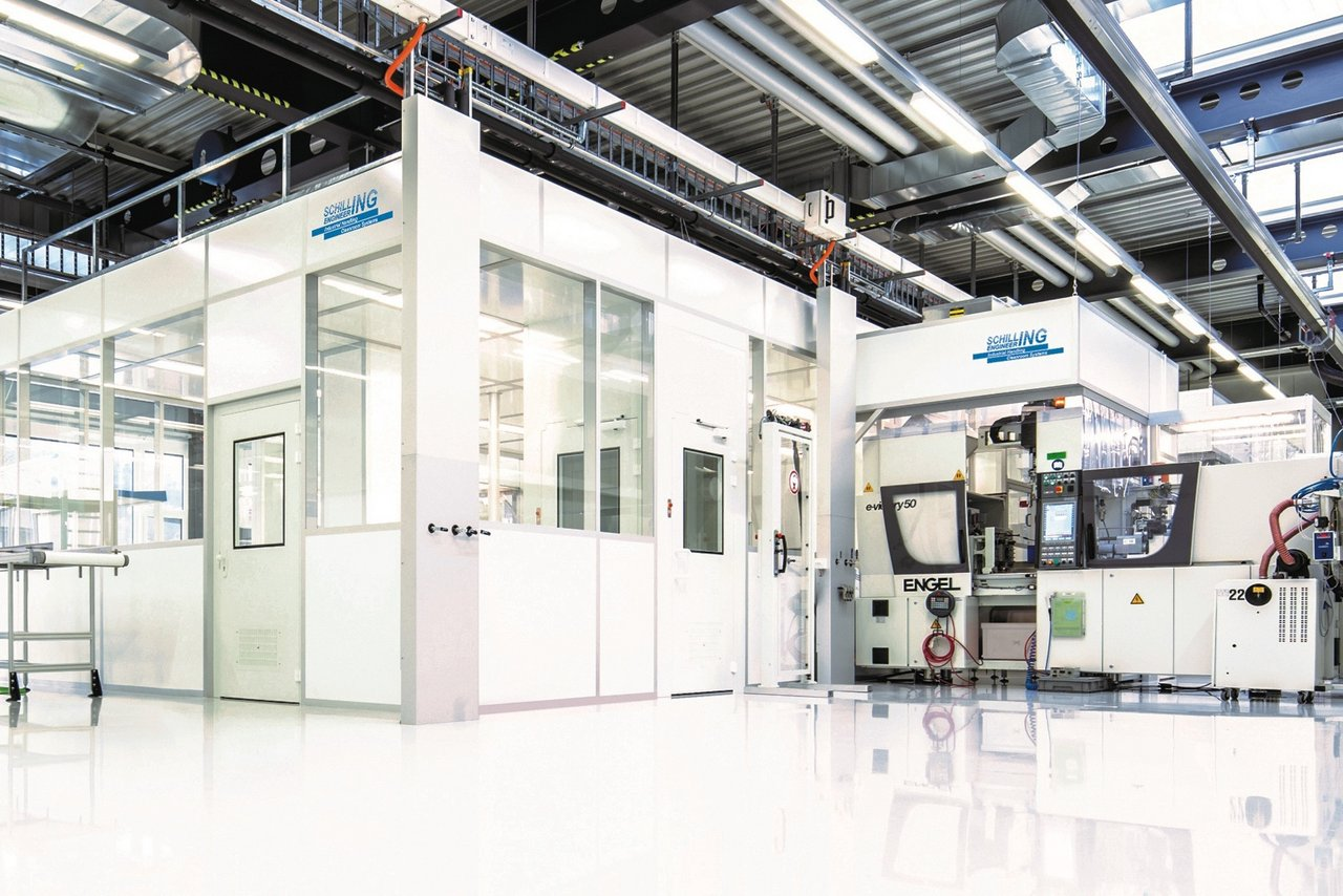 Cleanroom for medical components injection moulding, ISO 7