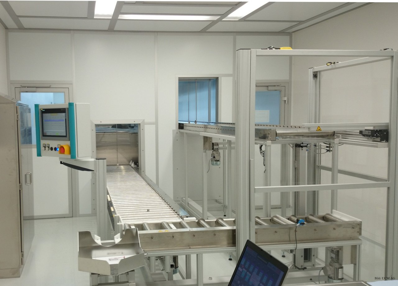 Cleanroom for cleaning stainless steel pipes in the pharmaceutical industry, GMP