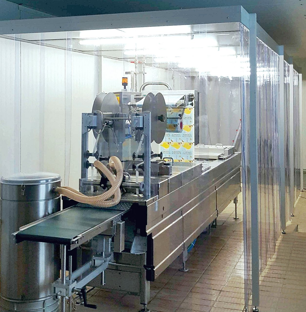 Cleanroom tent for packaging in the food industry, ISO 8