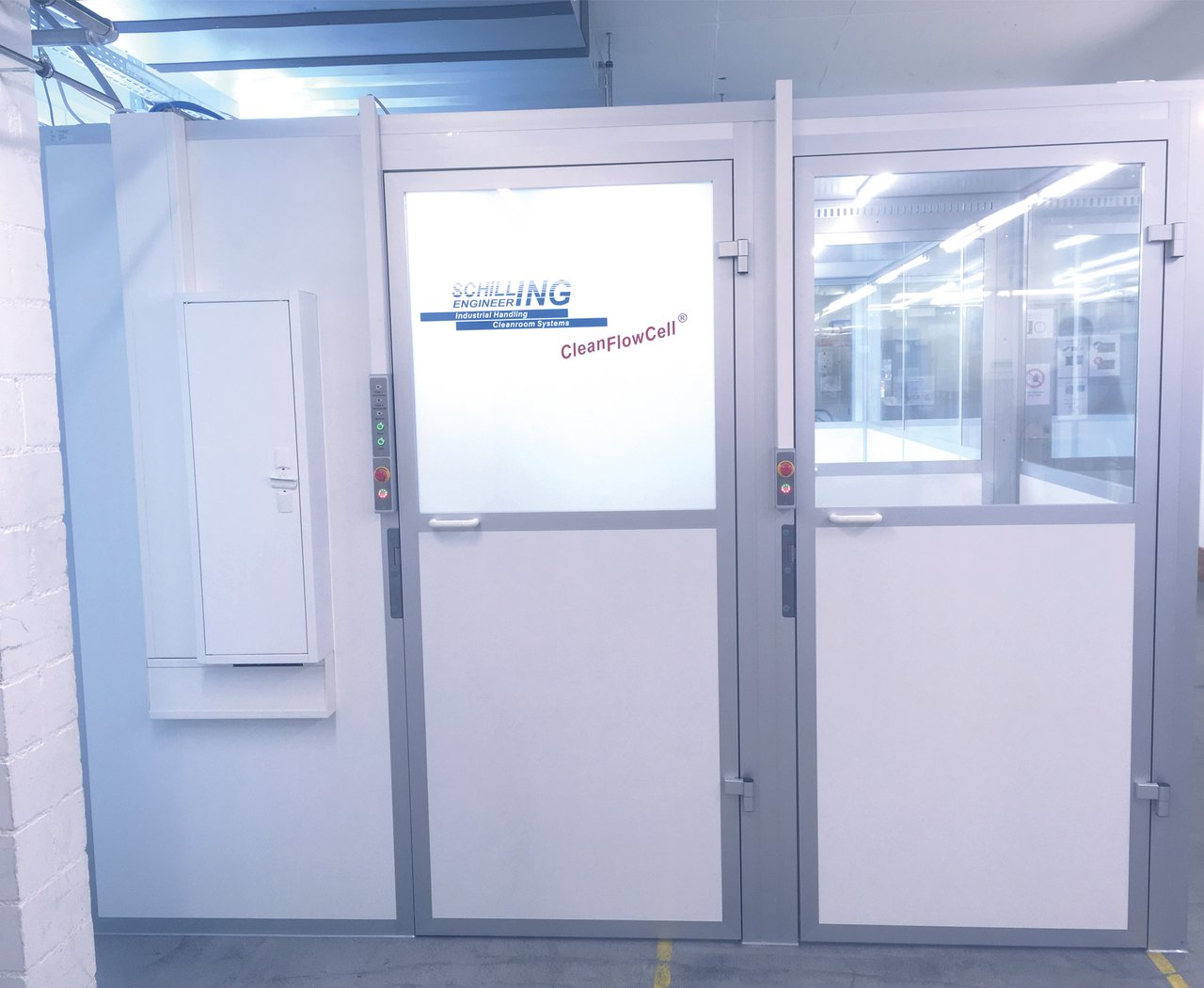 Cleanroom cabin for medical parts packaging