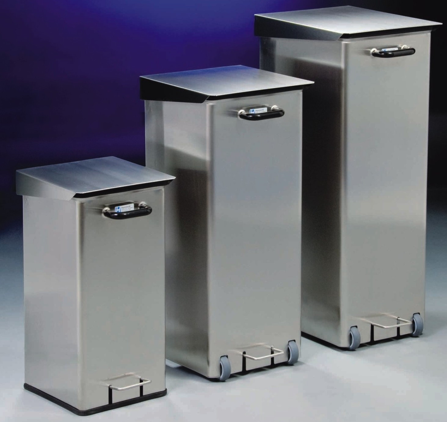 Cleanroom waste bin made of stainless steel with castors