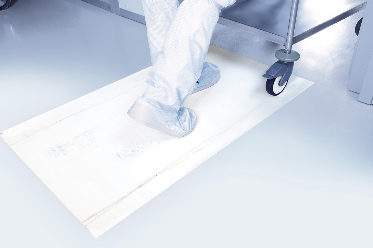 Cleanroom sticky mats made of adhesive film, 30 layers