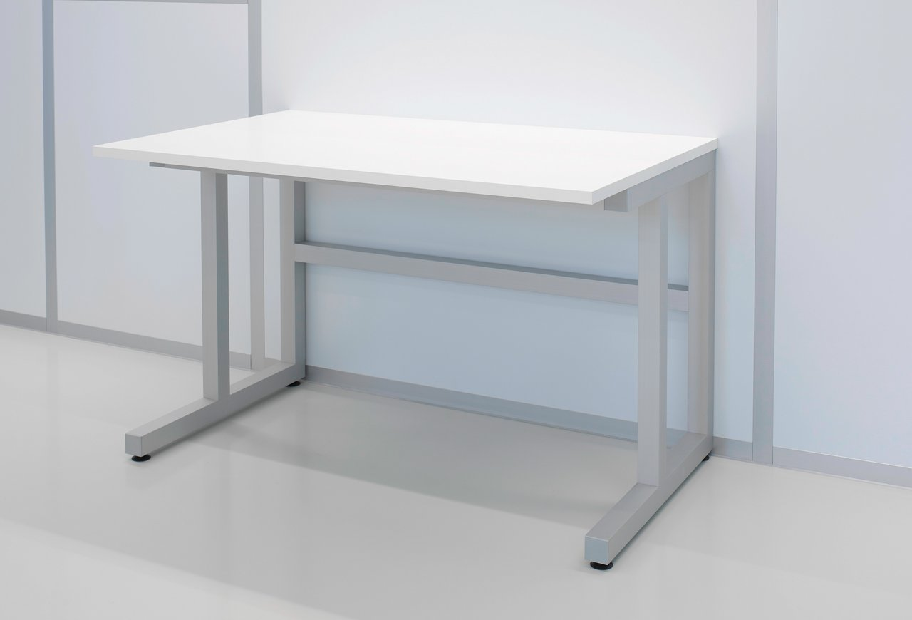 Standard cleanroom table made of melamine